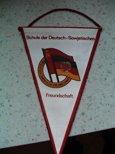 Wimpel-Schule-Der-Deutsch-Sowjetischen-Freundschaft