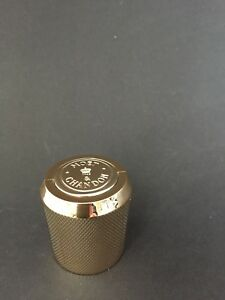 Moet-Chandon-Imperial-Gold-Bottle-stopper-Verschluss-Bar-Champagner-Deko-NEU-OVP