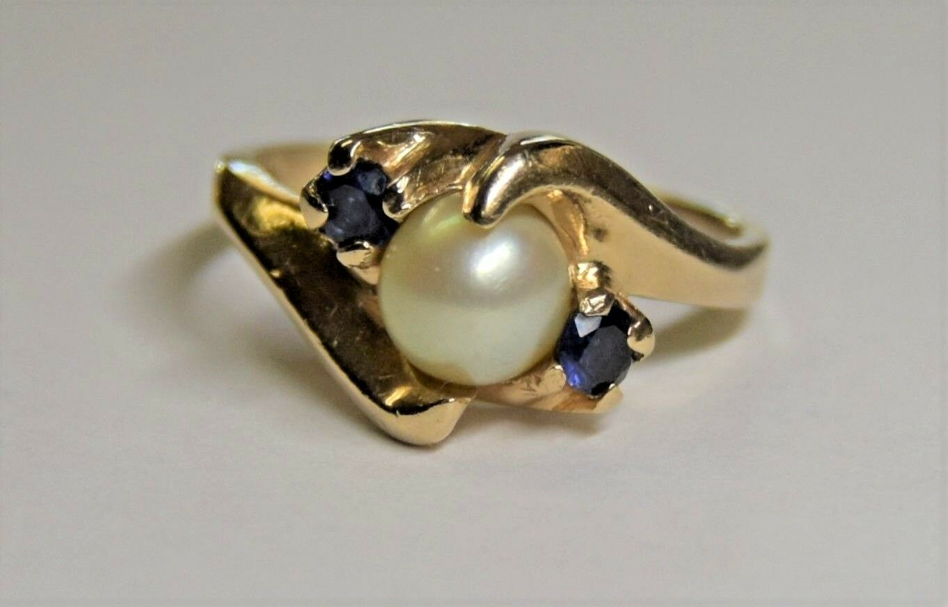14k Solid Yellow gold 6mm Cultured White Pearl w Sapphire Ring  3.7g  Sz 6.25