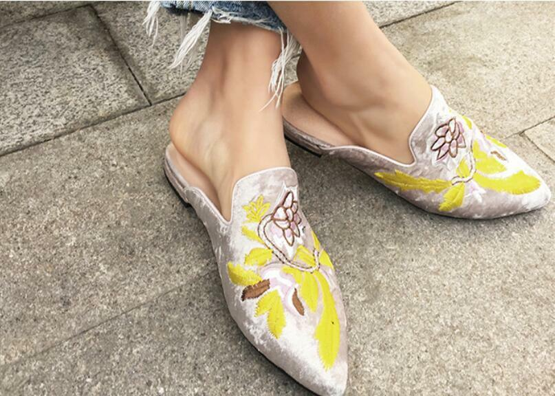Womens Pointy Toe Flower Embroidery Slip On Flats shoes Suede Mules US 4.5-8 F1