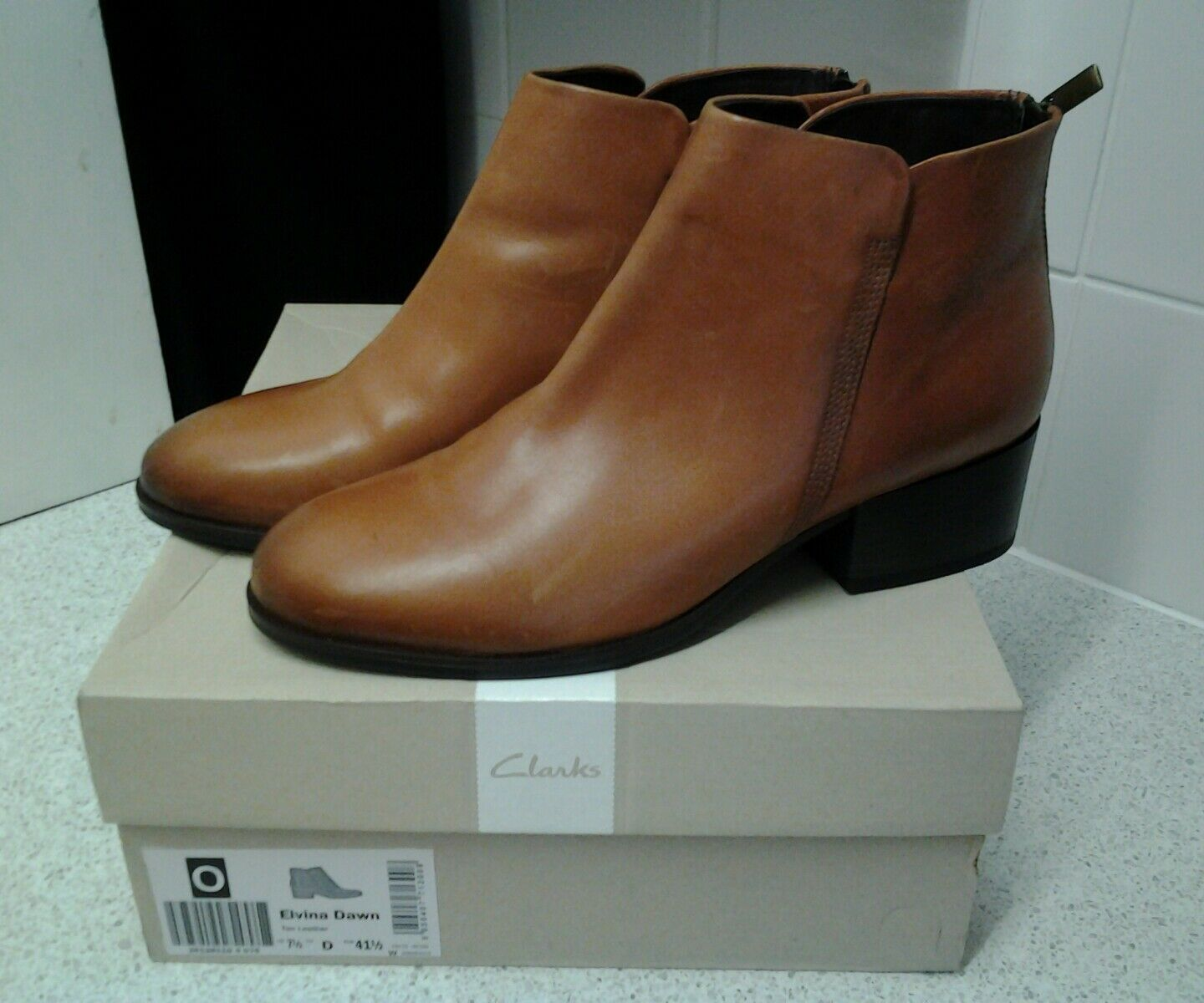 CLARKS LADIES ZIPPED ANCLE BOOT 7.5 ELVINA DAWN TAN UK 7.5 BOOT EUR 41.5 NEW WITH BOX . 939713