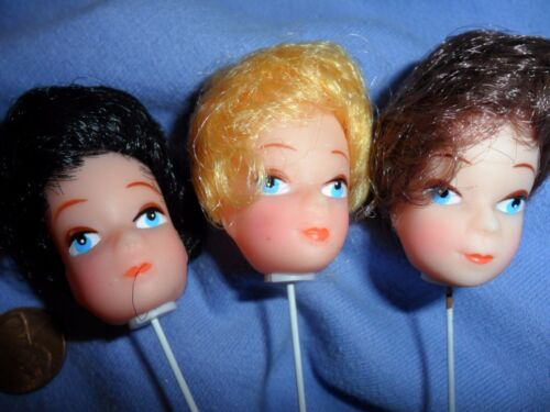 Black 3 Vinyl Girl Heads on Wire Pick Blonde Brunette