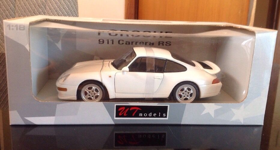 UT 1 18 Porsche  911 Carrera Rs In blanc - Rare