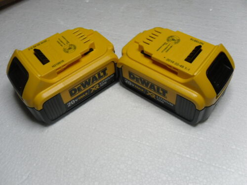 (2) New GENUINE Dewalt 20V DCB204 4.0 AH MAX XR Battery Pack Li Ion 2016