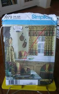 Oop-Simplicity-Shirley-Botsford-3979-kitchen-curtains-apron-mitts-covers-NEW
