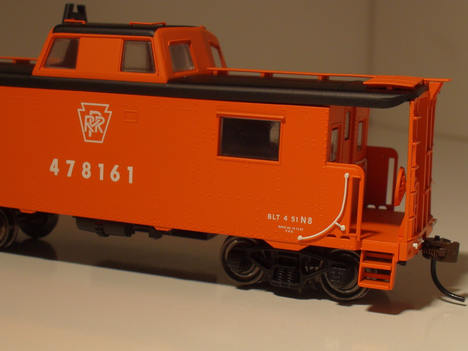 Bowser N-8 furgón de cola grado Llano Keystone focal arancia línea Ejecutiva