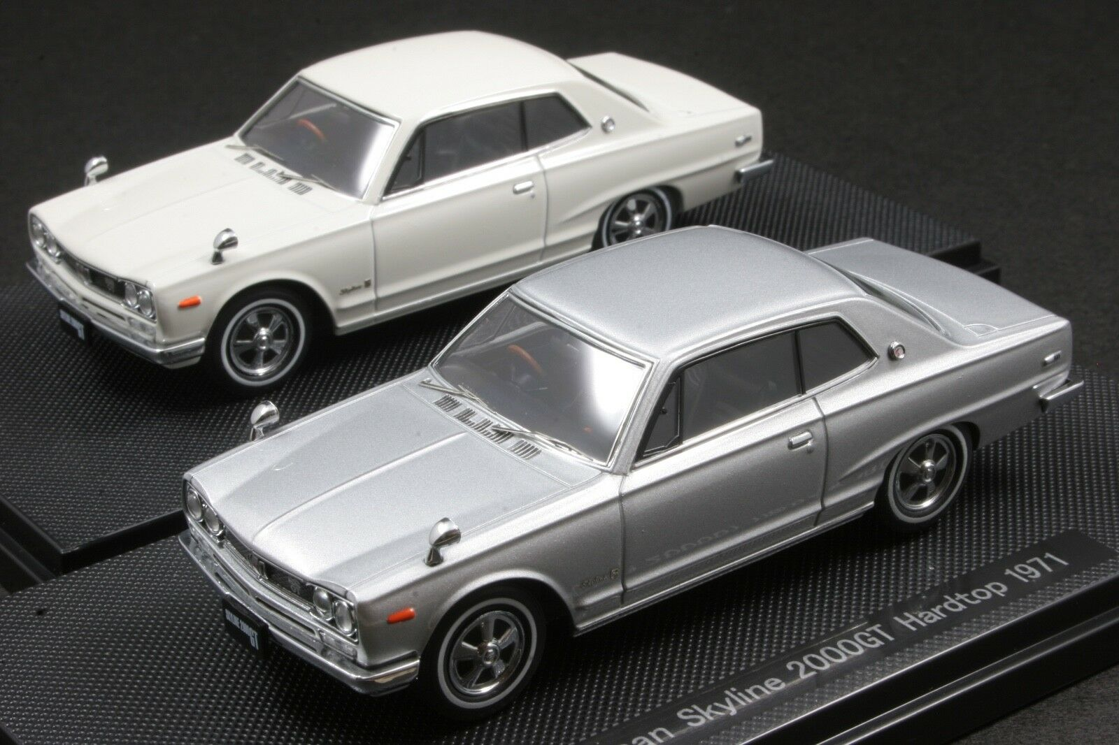 EBBRO 1 43 SCALE SCALE SCALE 1971 NISSAN SKYLINE 2000GT HARD TOP KPGC10 DIE CAST MODEL CAR 42b9b8