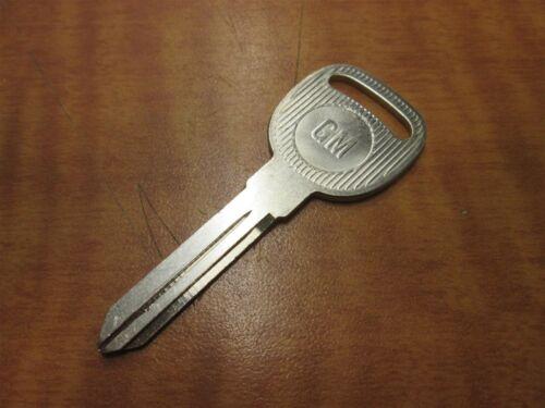 10 GM EZ NO B-102 GRV 75 G.M Chevrolet Key Blanks New