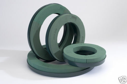 """WET FLORAL FOAM PACK of 12 14/"""" FLORIST WREATH RING WITH PLASTIC BASE"""