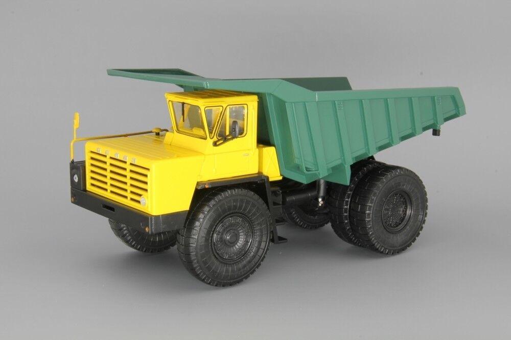 Modelo de escala camión 1 43 BELAZ - 548 Giant camión (amarillo con verde)