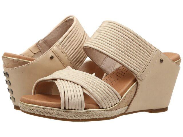 28e1f471673 UGG Australia Women's Hilarie Wedge Slide Sandal 10