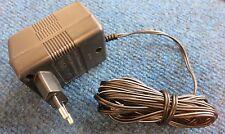 Netzteil YT-41008EU EU 2-Pin Plug AC Power Adapter Charger 4.5W 9V 500mA