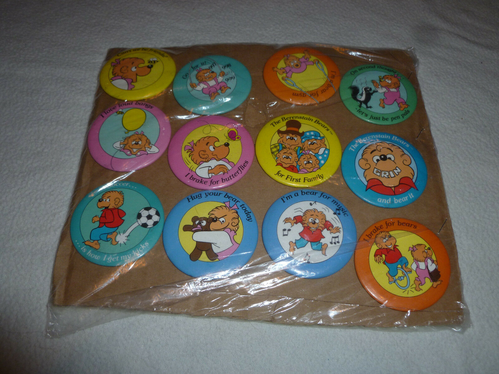 VINTAGE BERENSTAIN BEARS BUTTON PIN LOT BRAKE FOR BUTTERFLIES FIRST FAMILY GYM >