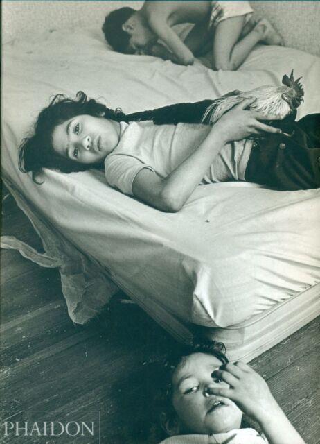 RICHARDS Eugene, Dorchester Days. Text and 103 duotone photographs. Phaidon 200