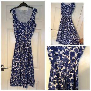 Magnifique-Laura-Ashley-Occasion-Robe-Taille-10-Blanc-avec-fleurs-bleues