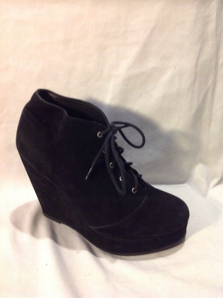 Deena&Ozzy Black Ankle Suede Boots Size 36