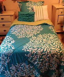 Twin Blue And Green Comforter With Custom Made Green And Purple Curtains Ebay