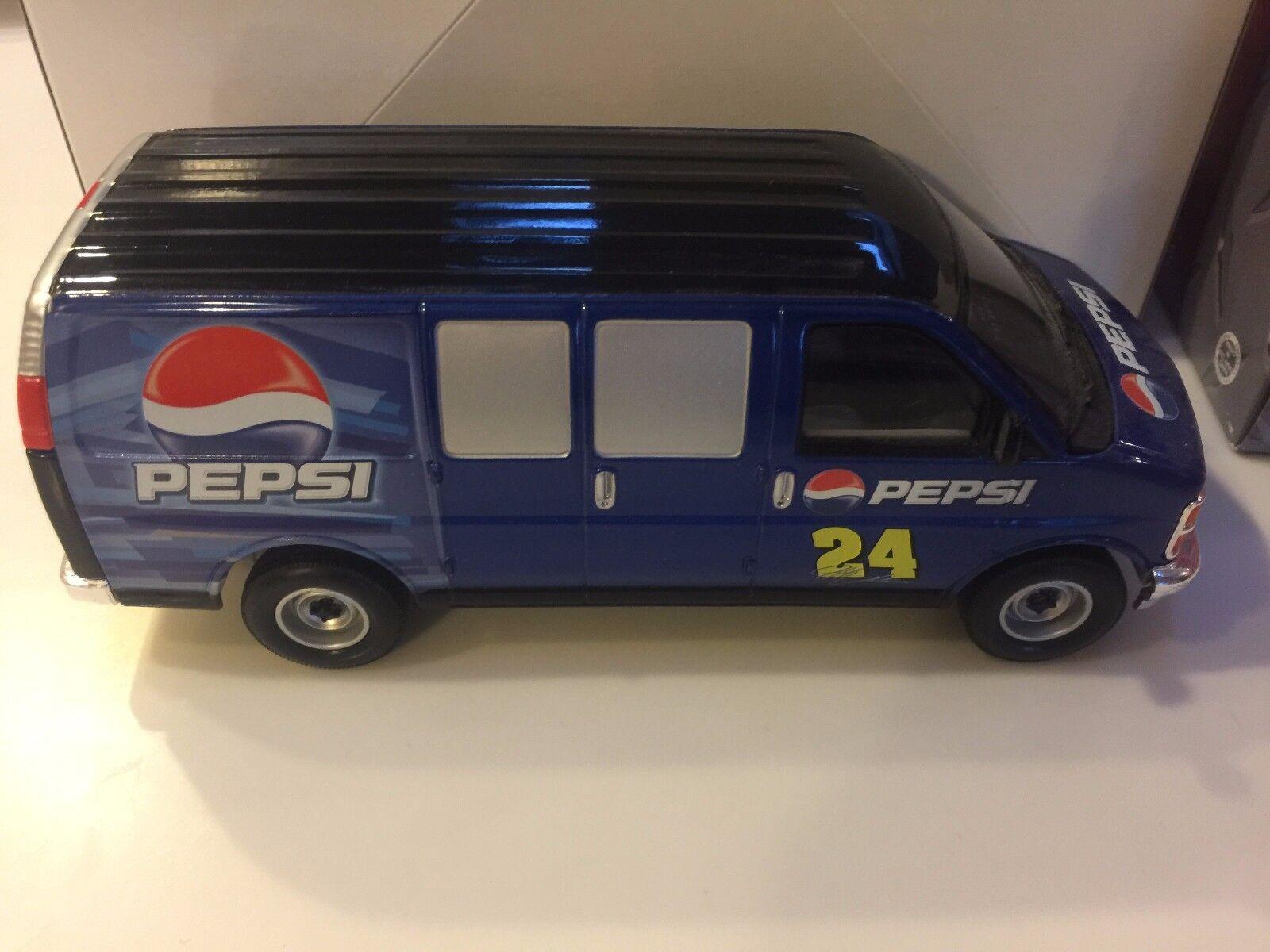 Jeff Gordon 2003 PEPSI   sizedega PEPSI Route Van 1 25 Die-Cast Car