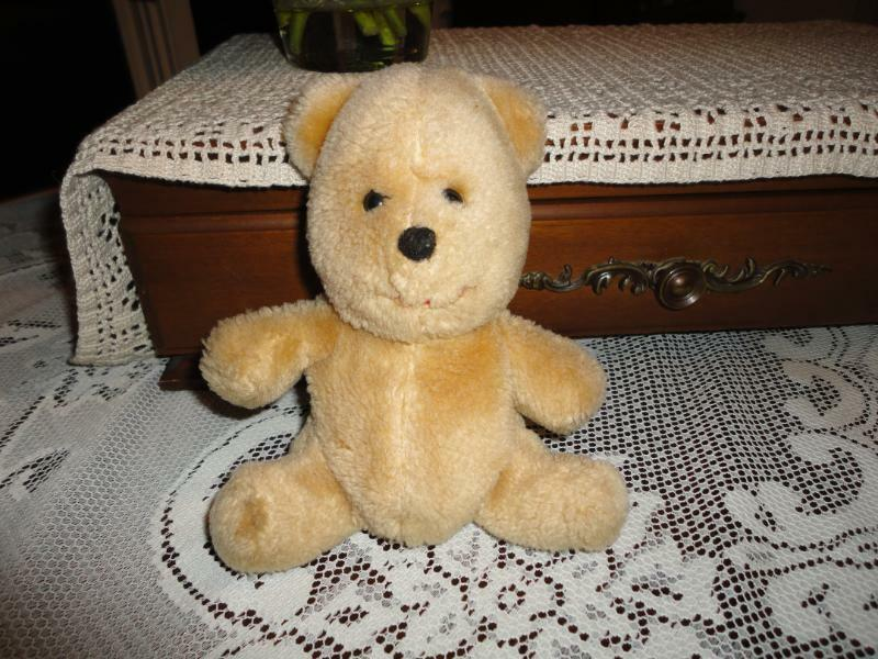 WINNIE POOH orso VTG 1980s California California California giocattoli Nutshells f2872f