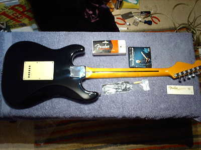 STRATOCASTER  .GILMOUR STYLE  BLACK  STRAT ,  1 PIECE MAPLE NECK