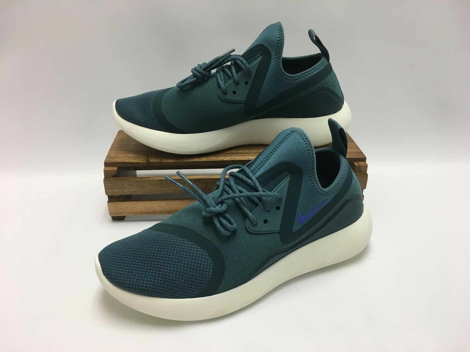 Nike Lunarcharge Essential Running Shoes Jade Teal Sail 923619-304 Men's Size 10