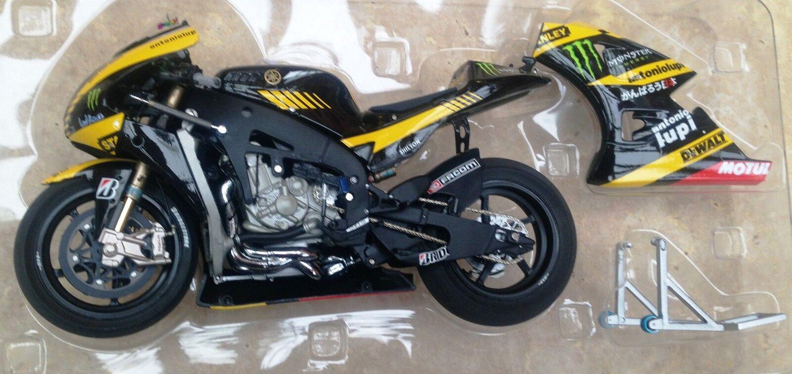 Minichamps 123 113035 Yamaha YZR M1 modello BIKE Cal Crutchlow MotoGP 2011 1:12th