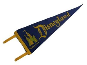 Vintage-Disneyland-Cinderella-039-s-Castle-Walt-Disney-Productions-Pennant-24-034-Blue
