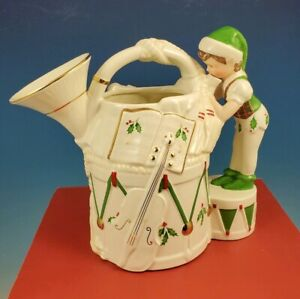 LENOX-Santa-s-Holiday-Toy-Shop-French-Horn-Pitcher