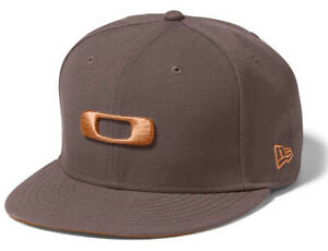 Oakley Men s New Era 59FIFTY Square O Fitted Hat Cap - Dark Sienna ... cd9e93a77a1