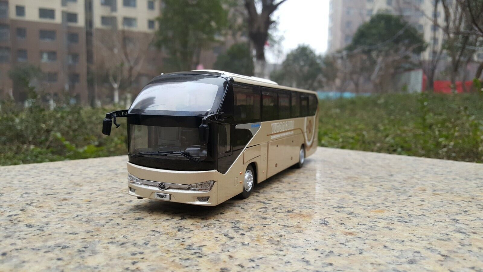DieCast Toy Model Gift 1 42 Yutong ZK6128HQB Double-decker Travel Bus Vehicle