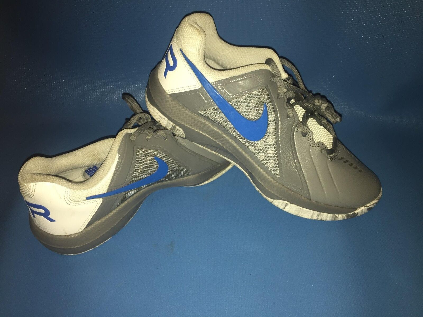 NWOB NIKE AIR MAVIN MENS SHOES SIZE 8  COLOR   GREY blueE WHITE