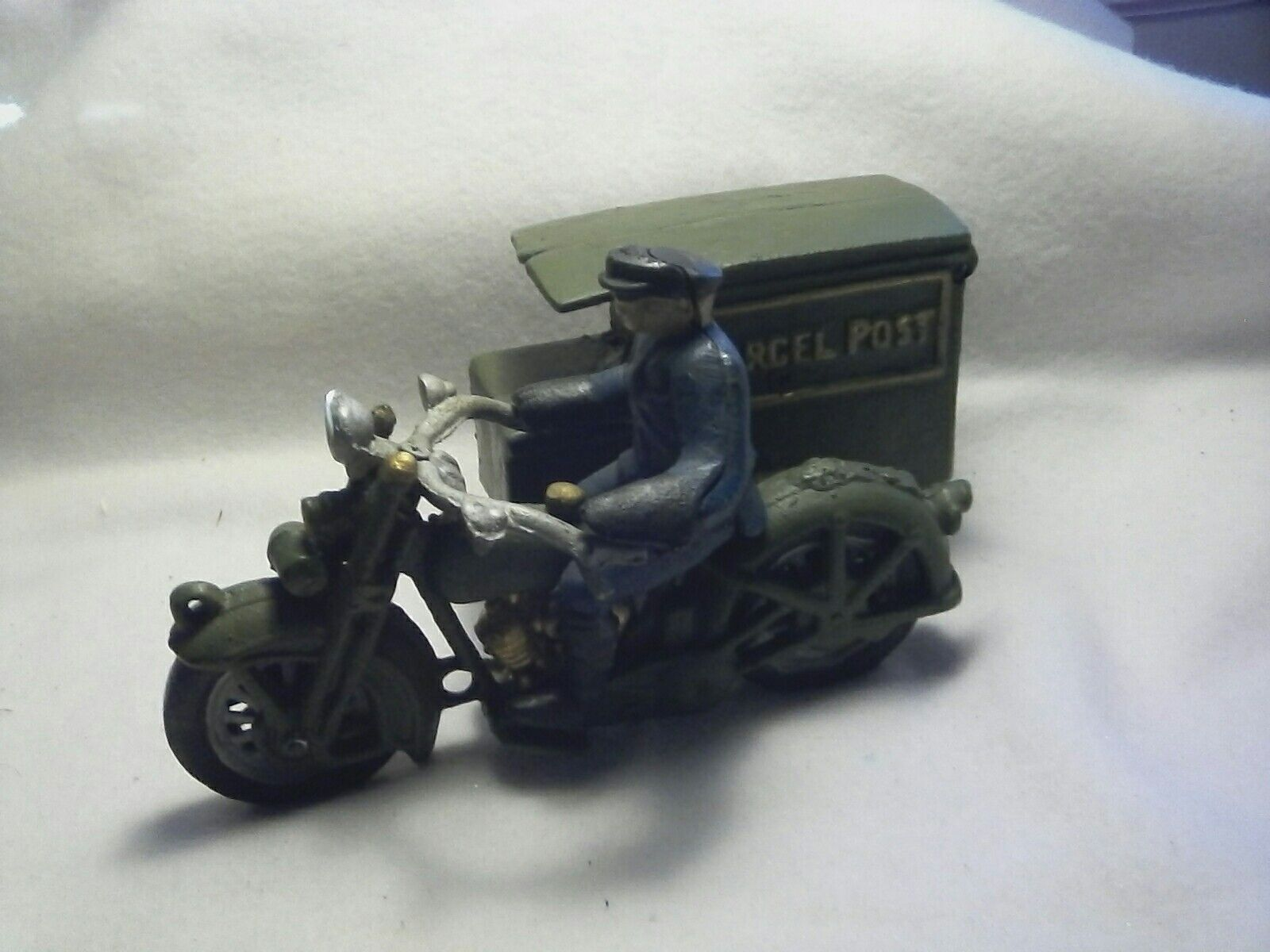 VINTAGE CAST IRON MOTORCYCLE POSTMAN HARLEY INDIAN Unmarked