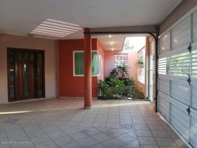 Casa en venta en Lirio Este Puente de Bravo 212192NC