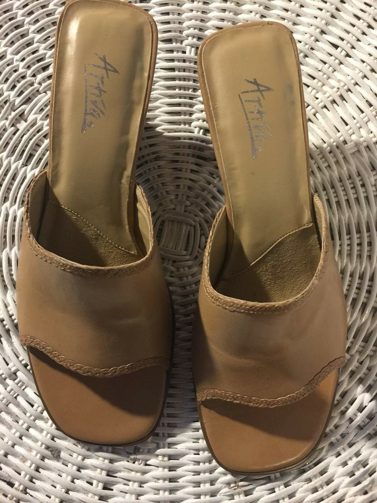 Sandals ,ARTIVA, Tan leather 2 1 2   heel, SZ  6 1 2M MADE IN BRAZIL