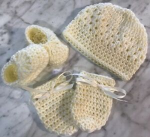 booties and mittens 0-3 months hand knitted baby hat