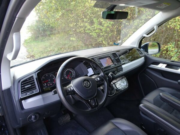 VW Multivan 2,0 TDi 204 Highline DSG kort billede 9
