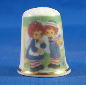 FINE-PORCELAIN-CHINA-THIMBLE-RAGGEDY-ANN-AND-ANDY-FREE-GIFT-BOX