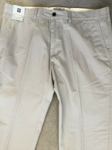 BNWT M/&S PAIR OF LIGHT GREY CHINOS IN PURE COTTON STRAIGHT CUT FIT