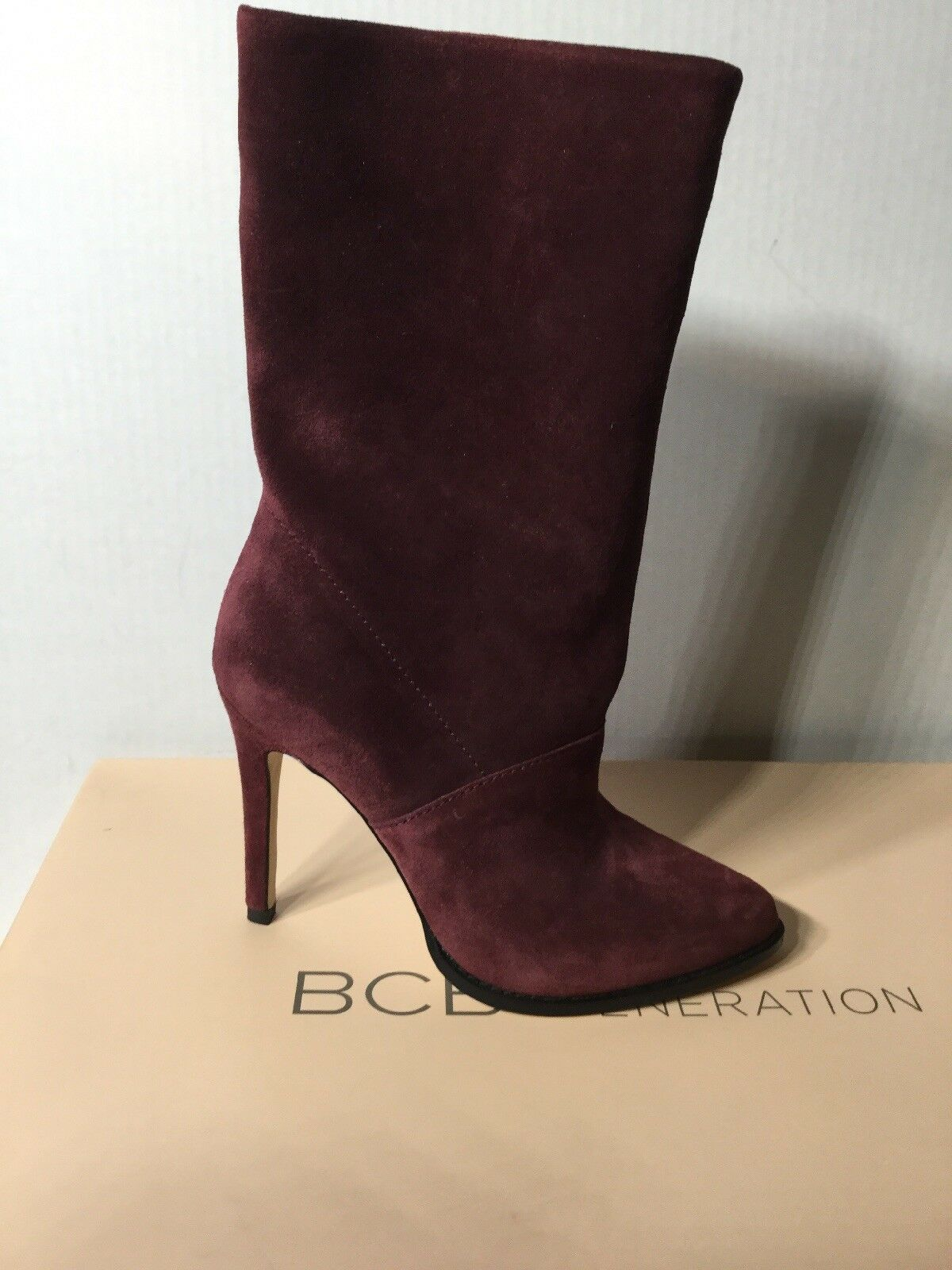 BCBGeneration Valor Suede Booties Size 5.5