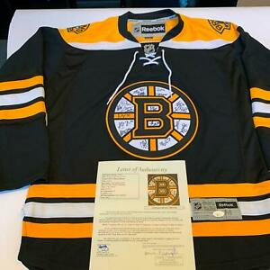 2012-13-Boston-Bruins-Team-Signed-Authentic-Reebok-NHL-Jersey-With-JSA-COA