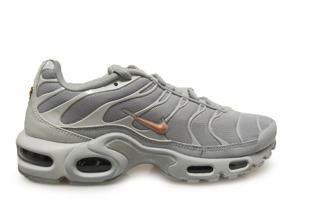 Mens Nike Air Max Plus 852630-017 Wolf Grey Trainers
