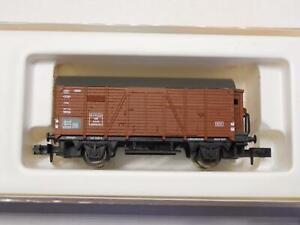 ARNOLD-4411-Gedeckter-Gueterwagen-mit-Bremserhaus-32360