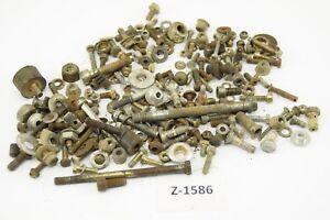 Cagiva-W8-125-Bj-2000-Schrauben-Reste-Kleinteile