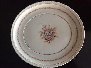 Vintage-platter-festutimg-flowers-by-Regal-Vellum-USA-ware