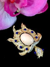 EXQUISITE CROWN TRIFARI GOLD-TONE FAUX ANGEL SKIN CORAL CABOCHON TURTLE BROOCH