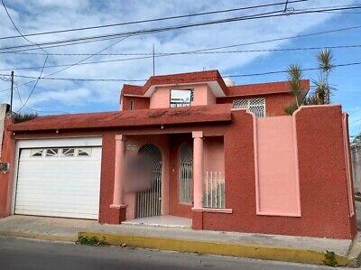 EN RENTA, Amplia Casa en Barrio Santa Ana