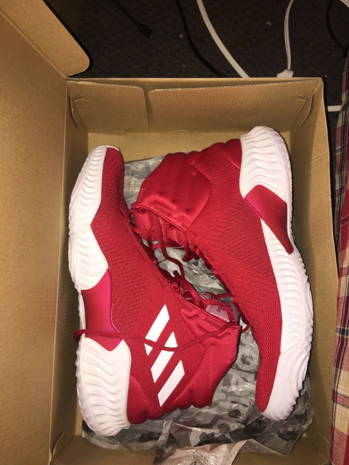 Mens basketball shoes size 11 new