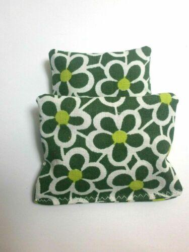 Dolls House Decoration Mini Green White Floral Bedding Duvet Pillows NEW