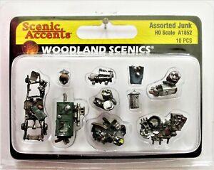 A1852 Woodland Scenics OO Gauge Assorted Junk
