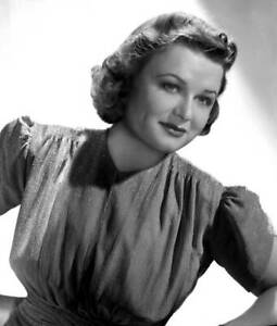 OLD-CBS-RADIO-PHOTO-Jean-Holloway-from-the-program-The-Kate-Smith-Hour-1